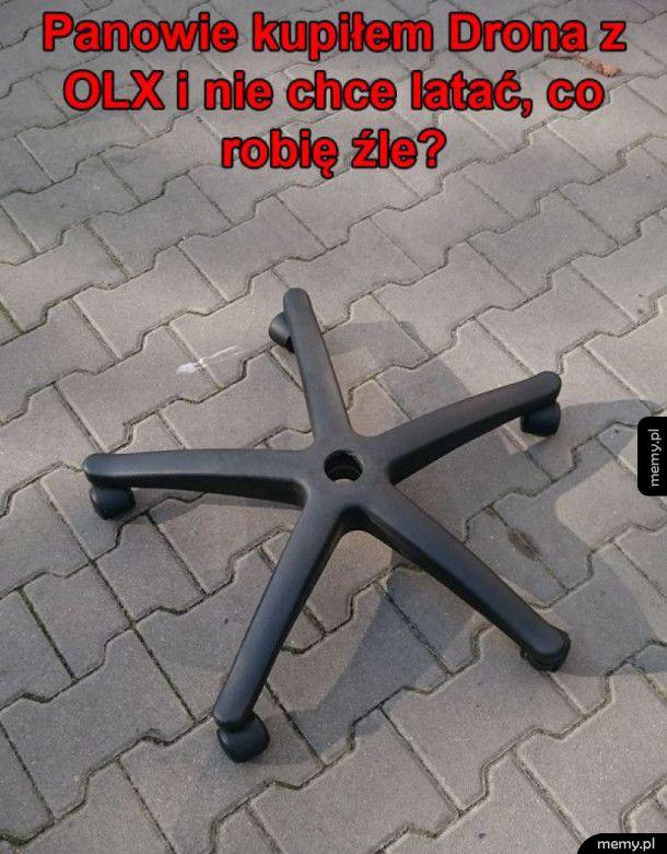 Dziwny dron
