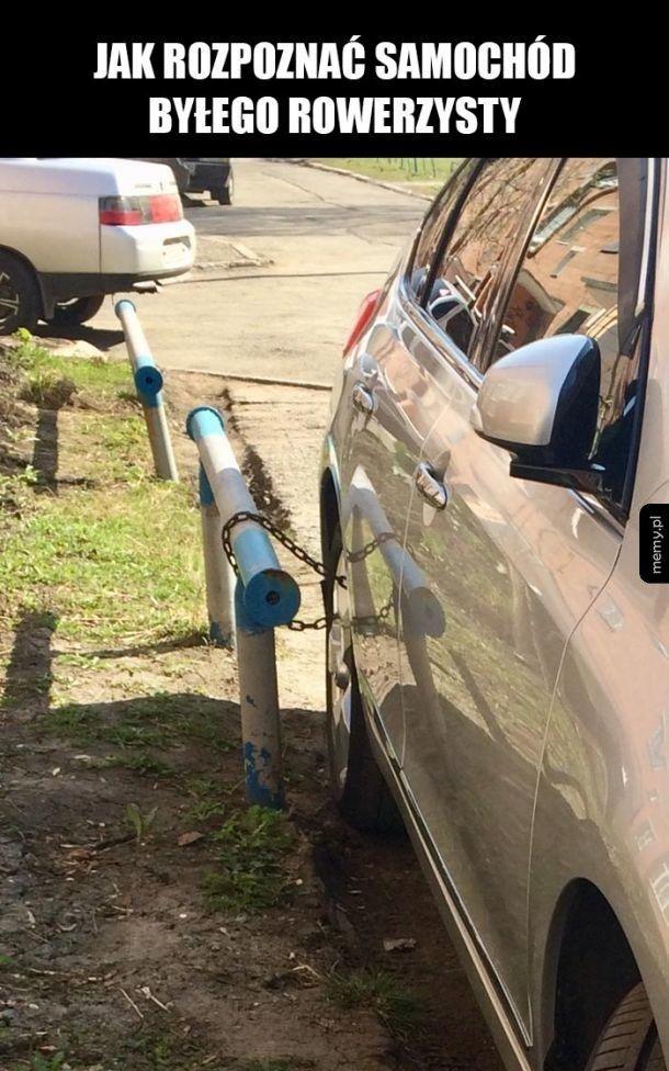 Zaparkowany samochód