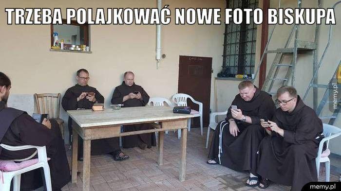 Trzeba polajkować nowe foto biskupa