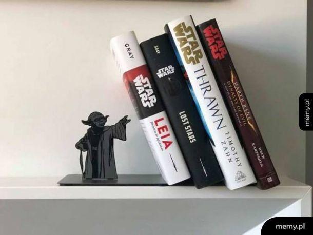 Moc silna jest w tym stojaku na książki