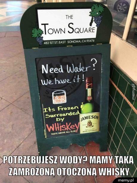 Potrzebujesz wody? Mamy taką zamrożoną otoczoną whisky