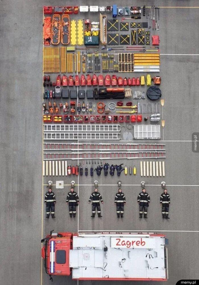 Oto co znajduje się w każdym wozie strażackim