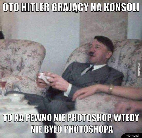 oto Hitler grający na konsoli To na pewno nie Photoshop, wtedy nie było Photoshopa