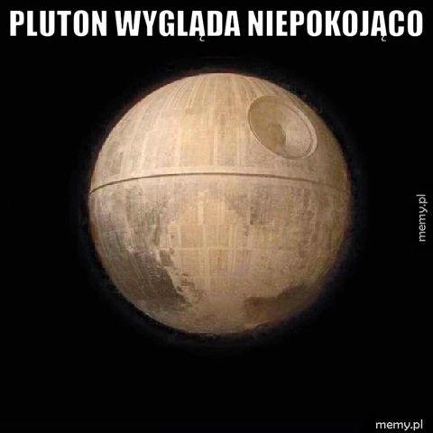Pluton wygląda niepokojąco