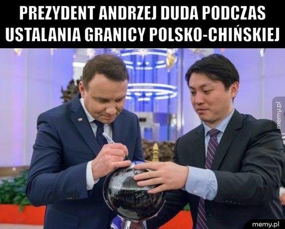 Prezydent Andrzej Duda podczas              ustala