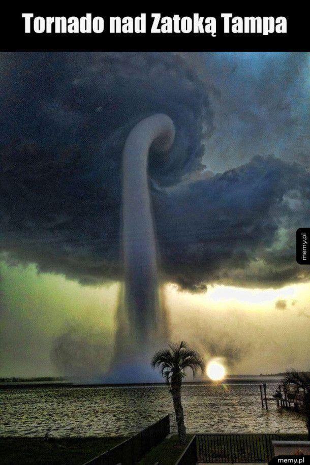 Niesamowite ujęcie tornada