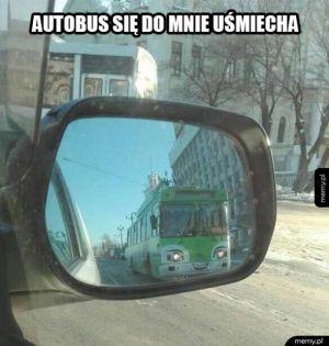 Autobus się uśmiecha