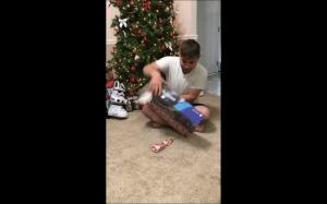 Koteł nie czuje magii świąt