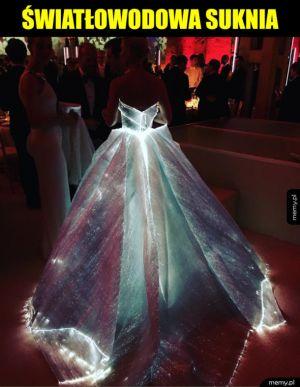 Światłowodowa suknia