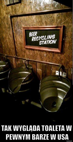 Toaleta w pewnym barze w USA