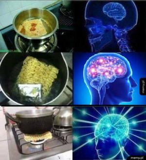 Jak poprawnie jeść zupkę chińską
