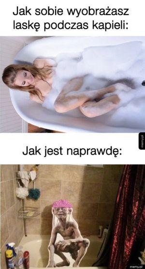 Laską podczas kąpieli