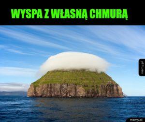 Wyspa z chmurą