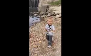 Spójrz jak fajnie puszczam kaczkę!