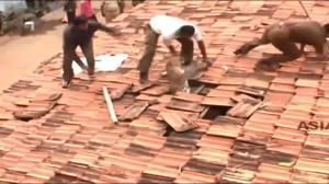Chyba coś jest na dachu..