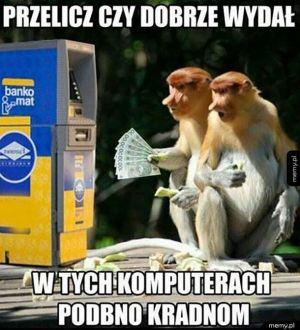 Janusze przy bankomacie