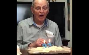 Dziadek z poczuciem humoru
