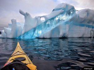 Niesamowita góra lodowa w Nowej Fundlandii