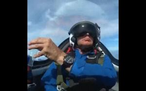 Jak nalać drinka w samolocie