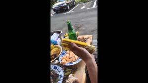 Jak poprawnie jeść kukurydzę