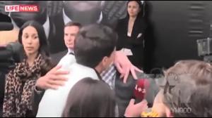 Reporter próbuje pocałować Willa Smitha
