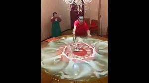 A stół myje tak