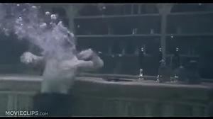 Fajna podwodna scena z filmu