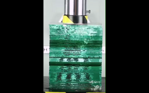 Prasa hydrauliczna vs szkło