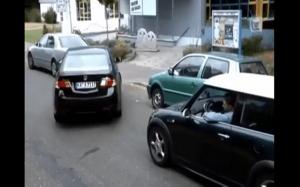 Kobieta i parkowanie