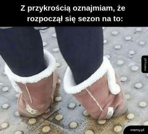 Sandały ze skarpetami jesieni