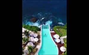 Kto chciałby pływać w takim basenie?
