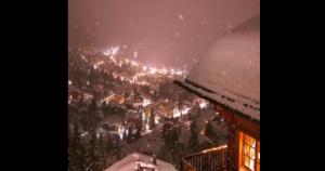 Śnieżna noc w Szwajcarii
