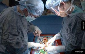 Gdy chirurdzy pracują w domu