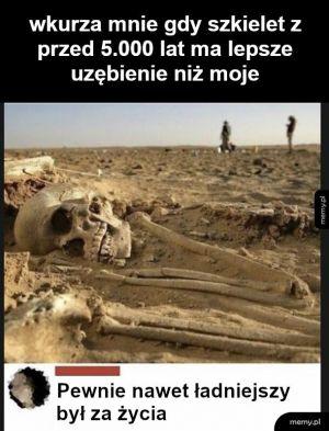 Szkielet z Egiptu czy coś