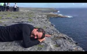 Człowiek, który boi się wysokości