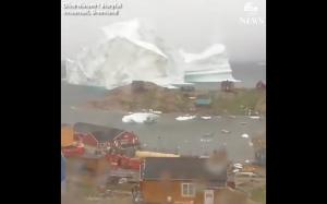 Dryfująca góra lodowa na Grenlandii