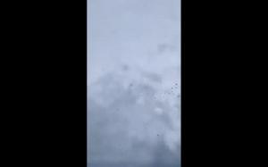 Krople deszczu w slow motion