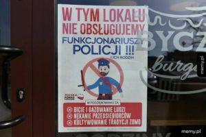 Policjanci w Toruniu na byczego burgera liczyć nie mogą...