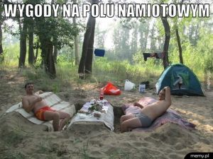 Pole namiotowe.