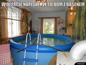 Dom z basenem.