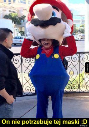 Mario przebrał się za Mario