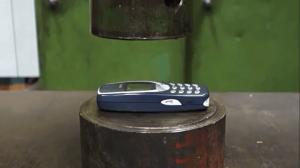 Prasa vs nokia 3310