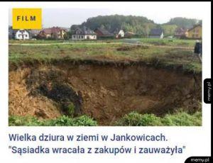 Spostrzegawcza pani - Wielka dziura w ziemi